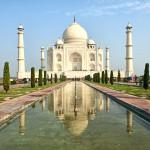 Taj Mahal turns green, Akhilesh orders probe