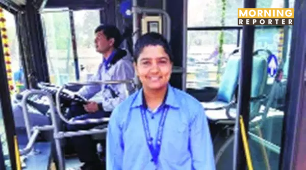 gurgaon-bus-conductor